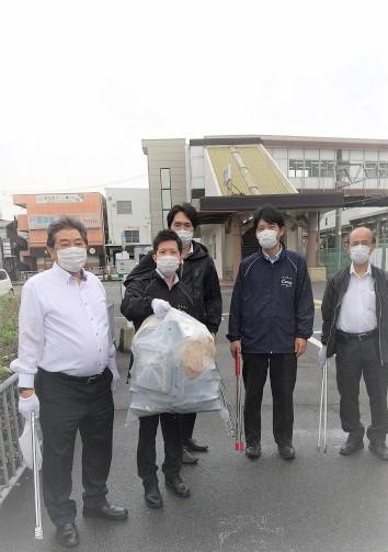 JR宝殿駅北口周辺清掃